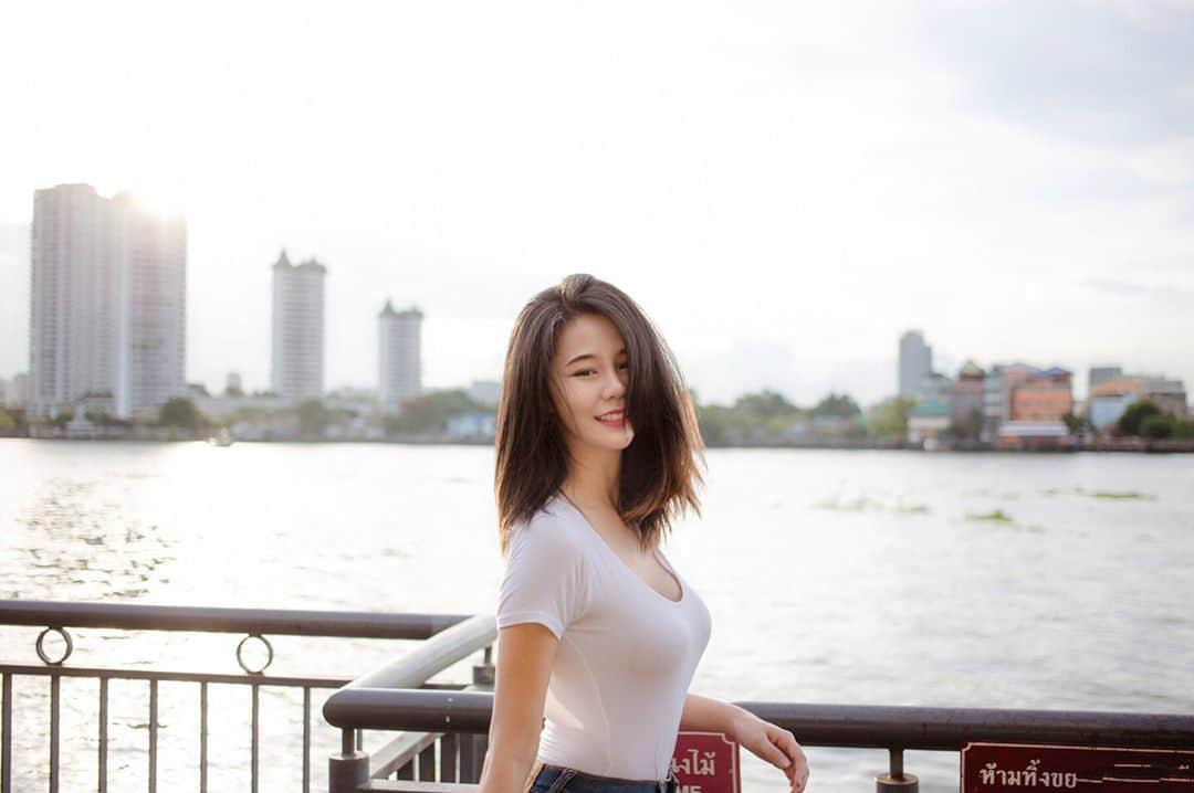 泰国网红美女Iris 美眉太正点让人想犯规
