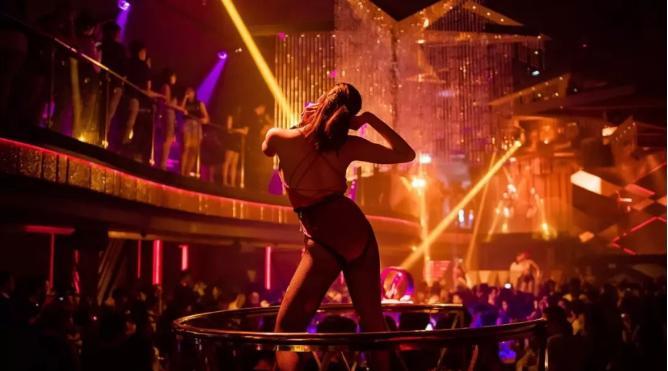 LEVELS CLUB,曼谷颜值最高的夜总会?看里面的小姐姐就知道答案了!
