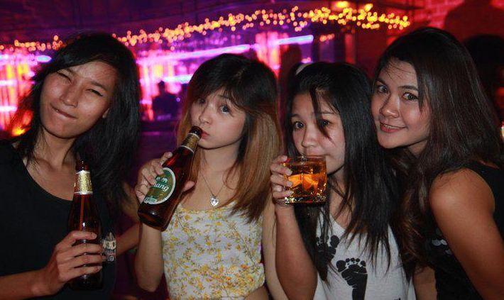 凌晨曼谷酒吧关闭后,哪里可以寻欢呢?