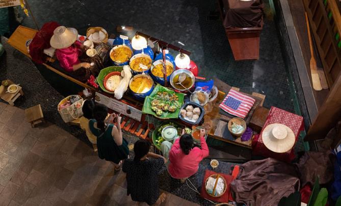 曼谷旅游点推荐之:暹罗天地,满足你吃美食、逛水上市场和购买手信的行程